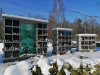 II лесное кладбище, Рига, февраль 2021 г. Первый в Латвии колумбарий. Центральная, 5-этажная секция с декоративным элементом из цветного стекла.